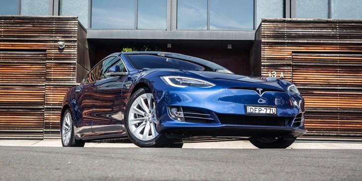 Tesla Model S P100D Ludicrous+ Embarrasses FF91