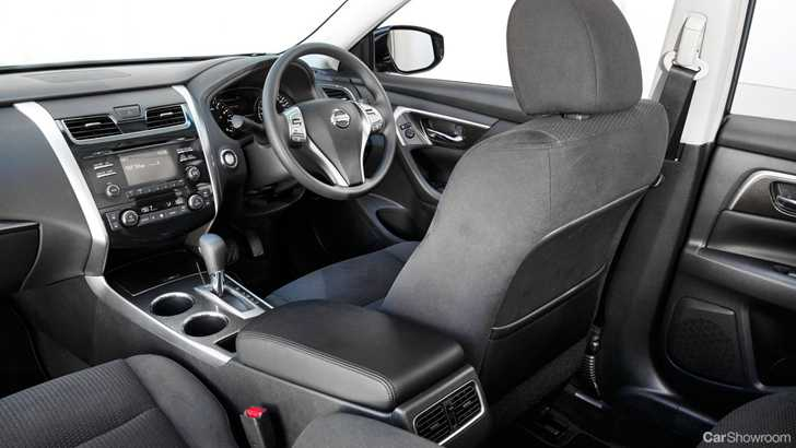 Review 2014 Nissan Altima St Review And Road Test