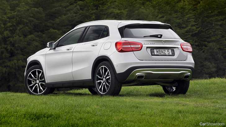 review mercedes benz gla 250 4matic review and first drive. Black Bedroom Furniture Sets. Home Design Ideas