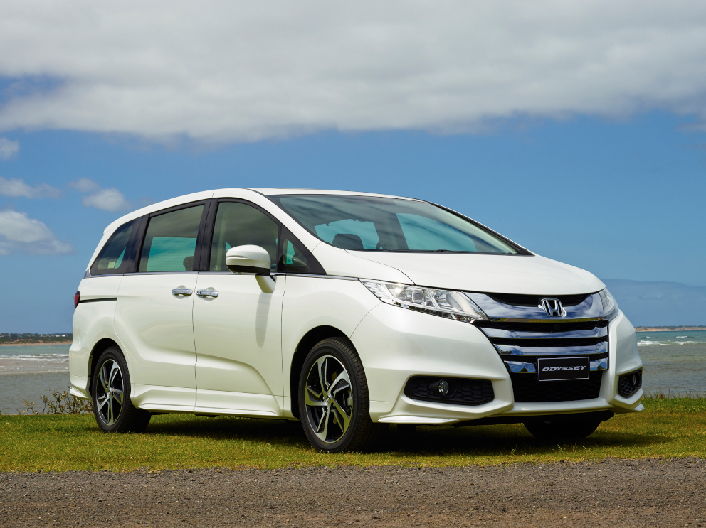 review 2014 honda odyssey review and first drive. Black Bedroom Furniture Sets. Home Design Ideas