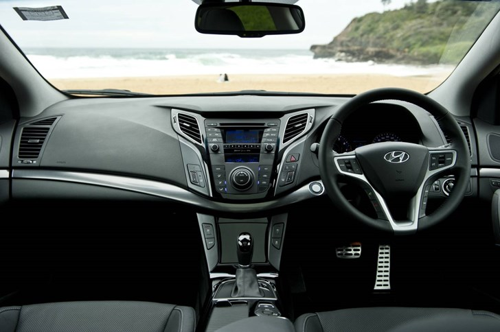 Review 2013 Hyundai I40 Diesel Review And Road Test