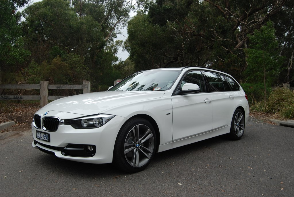 review bmw 318d touring review and road test. Black Bedroom Furniture Sets. Home Design Ideas