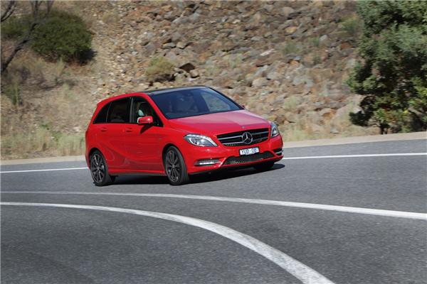2013 Mercedes-Benz B200 Review and Road Test