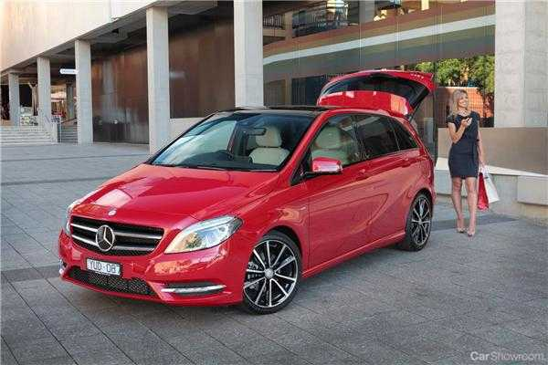 Benz And Beemer >> Review - 2013 Mercedes-Benz B200 Review and Road Test