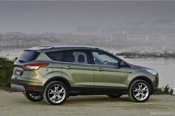 review 2013 ford kuga first drive and review. Black Bedroom Furniture Sets. Home Design Ideas