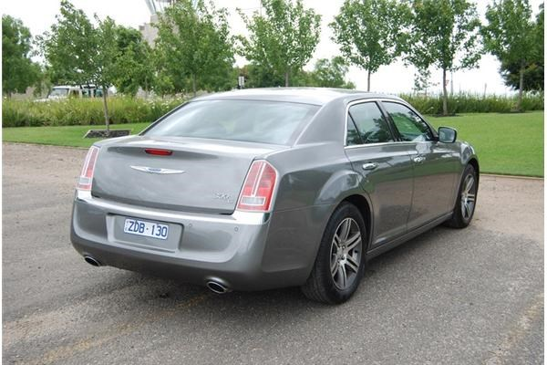 2013 CHRYSLER 300 4D SEDAN C