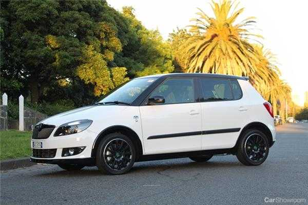 review 2011 skoda fabia monte carlo review. Black Bedroom Furniture Sets. Home Design Ideas