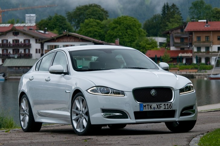 2011 JAGUAR XF 4D SEDAN