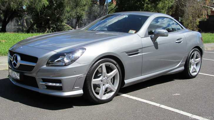 review 2011 mercedes benz slk 200 review and first drive. Black Bedroom Furniture Sets. Home Design Ideas