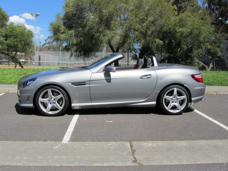 2011 MERCEDES-BENZ SLK 2D CONVERTIBLE 200 BE