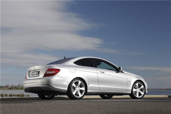2011 MERCEDES-BENZ C250 2D COUPE