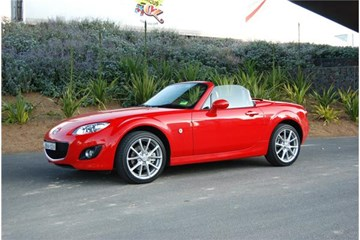 2011 MAZDA MX-5 2D CONVERTIBLE COUPE