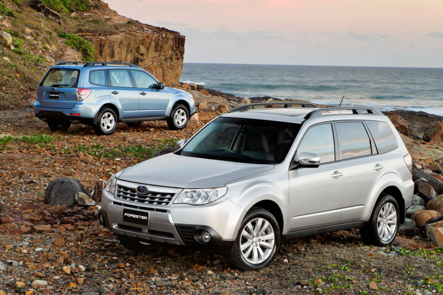 review 2011 subaru forester models compared. Black Bedroom Furniture Sets. Home Design Ideas