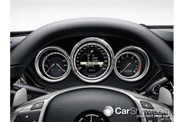 Review 2011 mercedes benz cls review and first drive for Mercedes benz music system