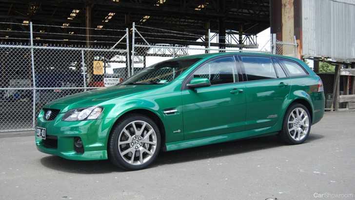 Review  2011 Holden Commodore SS V Redline Sportwagon Review