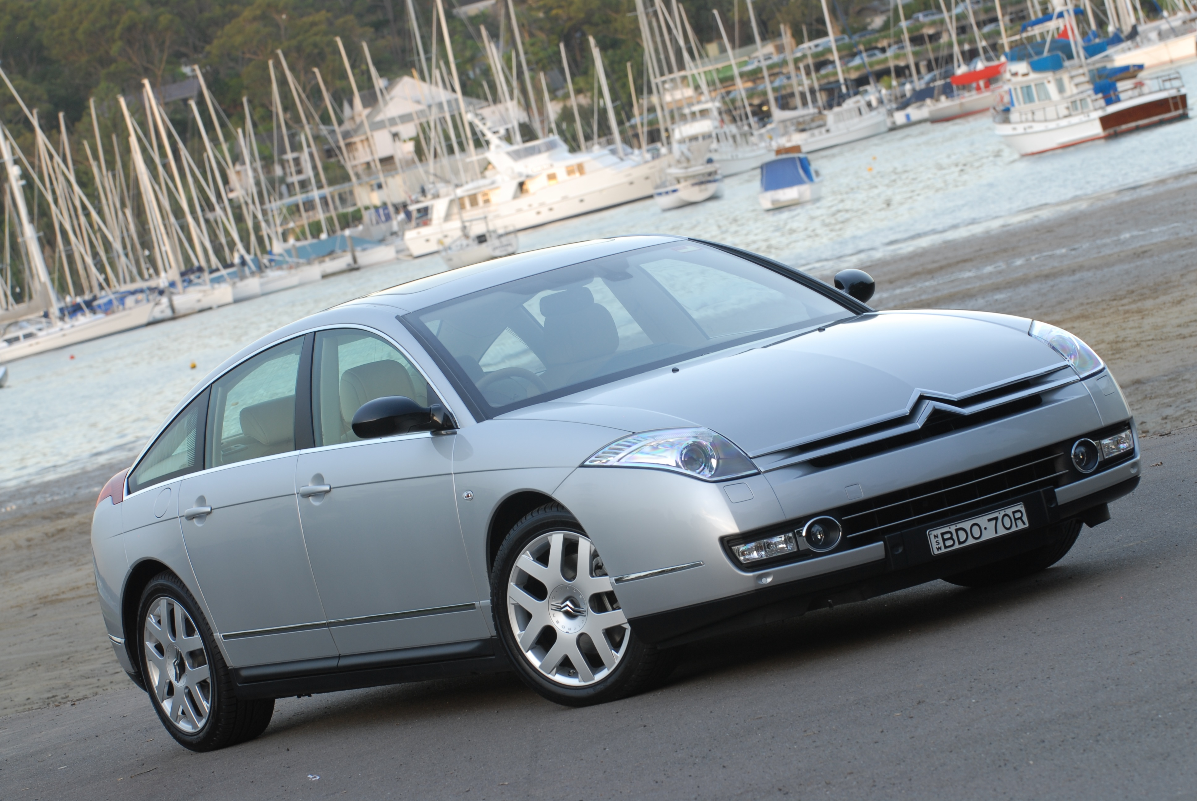 review 2011 citroen c6 hdi review and road test. Black Bedroom Furniture Sets. Home Design Ideas