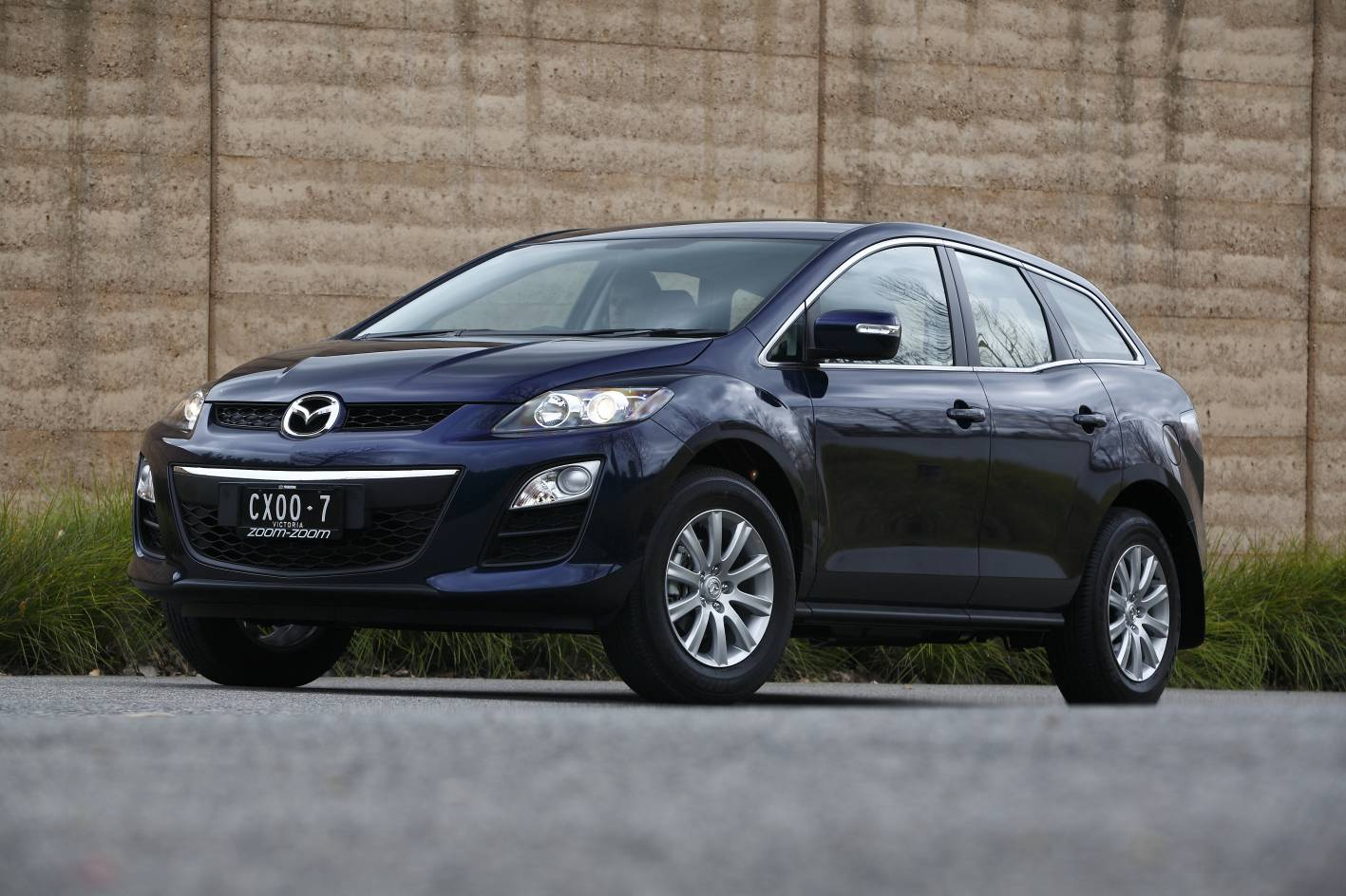 review mazda cx 7 classic review and road test. Black Bedroom Furniture Sets. Home Design Ideas