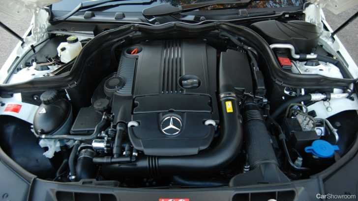 Review 2010 mercedes benz c 250 cgi sedan car review for Mercedes benz auxiliary battery price