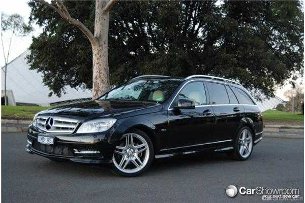 review 2010 mercedes benz c220cdi estate car showroom review road test. Black Bedroom Furniture Sets. Home Design Ideas