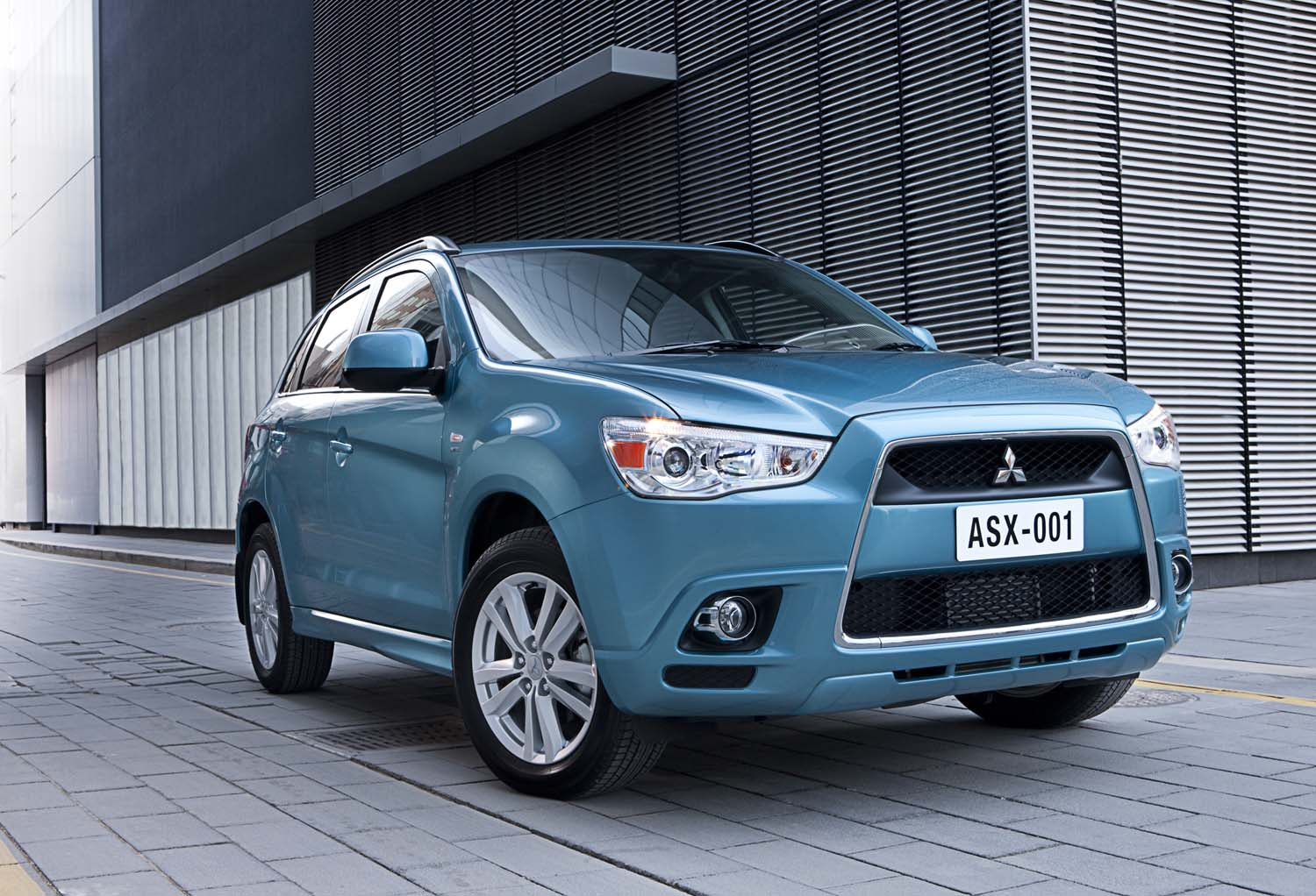review 2010 mitsubishi asx first drive. Black Bedroom Furniture Sets. Home Design Ideas