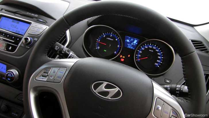 Review - 2010 Hyundai iX35 Elite - Car Review & Road Test