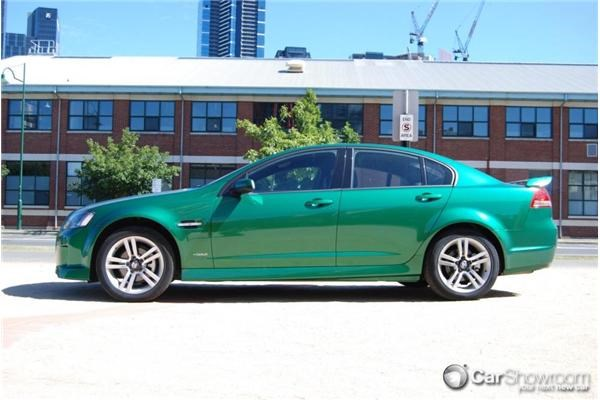 Reviews On Holden Cruze >> Review - 2010 Holden Commodore SV6 - Car Review
