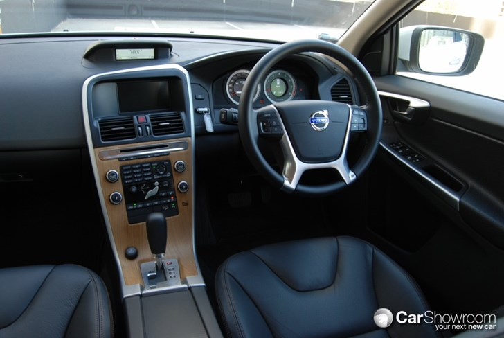 Review 2010 Volvo Xc60 Car Review