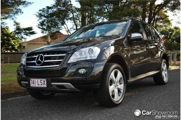 review 2009 mercedes benz m class ml320 car review. Black Bedroom Furniture Sets. Home Design Ideas