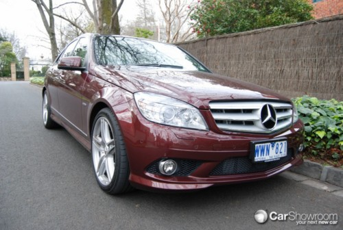 review 2009 mercedes benz c class 320 cdi car review. Black Bedroom Furniture Sets. Home Design Ideas