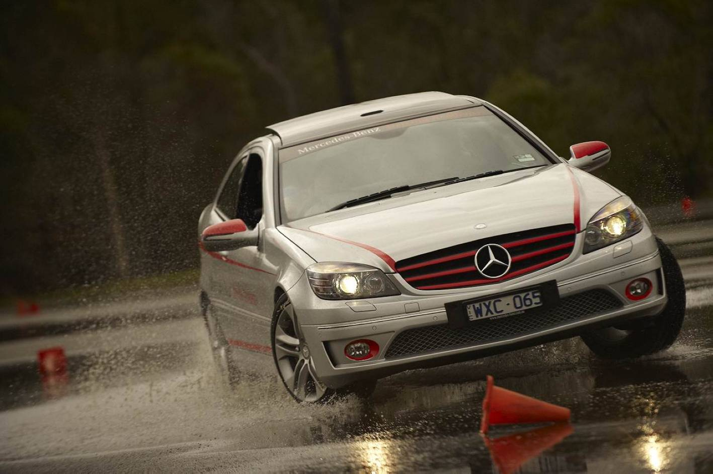 News mercedes benz driving experience targets young drivers for Mercedes benz driving experience