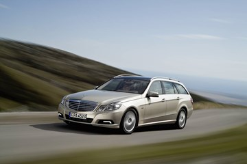 2010 MERCEDES-BENZ E250 4D WAGON