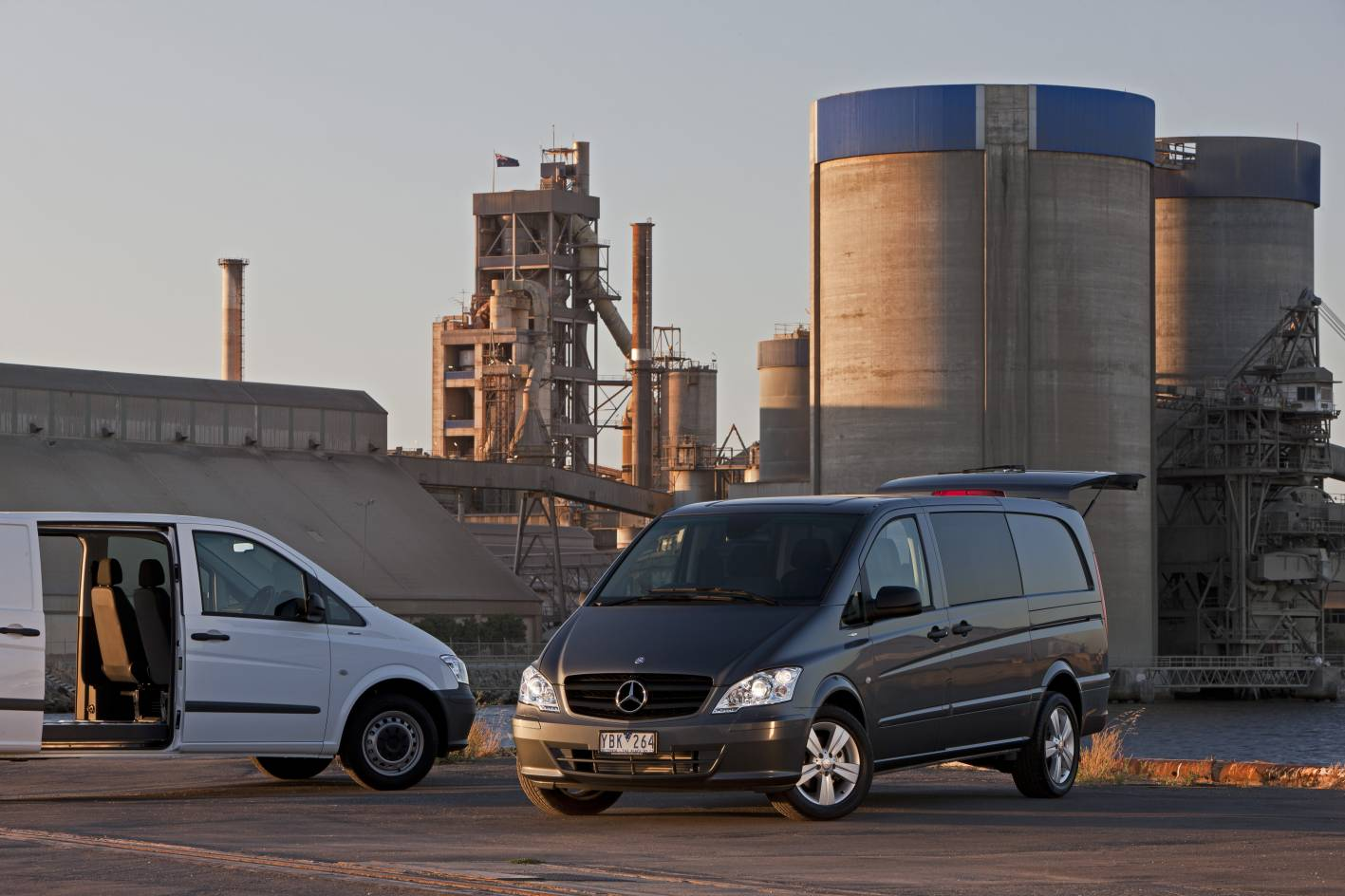 news mercedes benz wheels out new vito van range. Black Bedroom Furniture Sets. Home Design Ideas