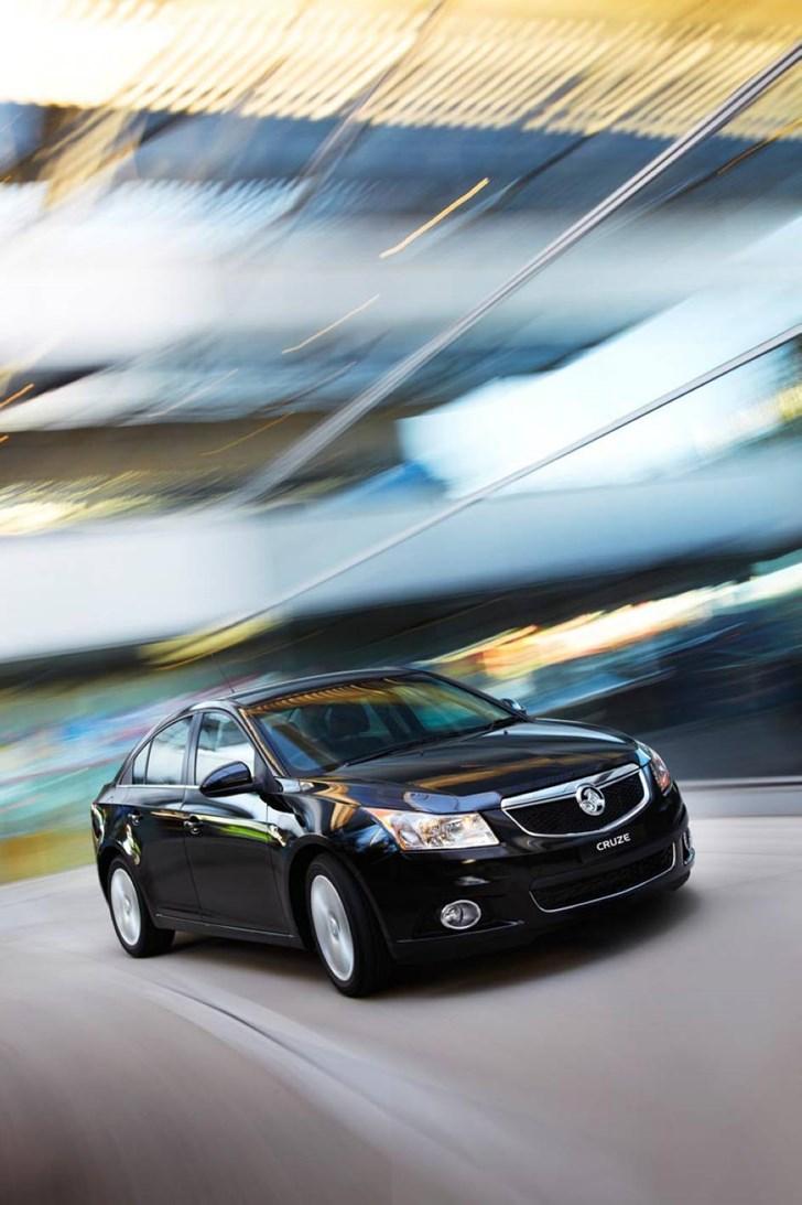 News Holden Launches New Cruze Range