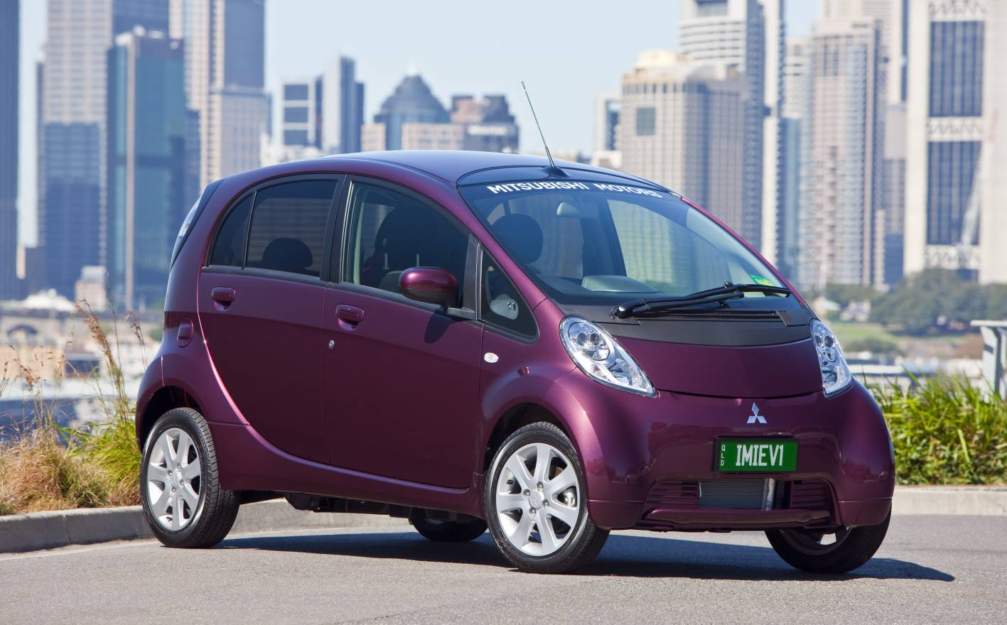 news mitsubishi confirms sub 50 000 price for i miev. Black Bedroom Furniture Sets. Home Design Ideas