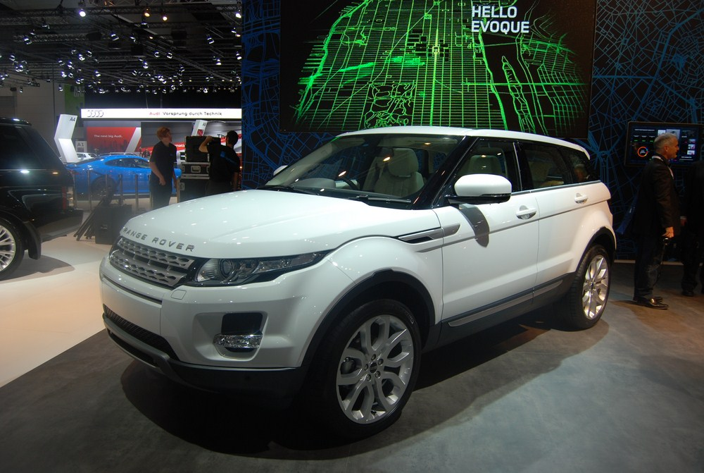 News - Sharp Sub-$50,000 Price For Range Rover Evoque