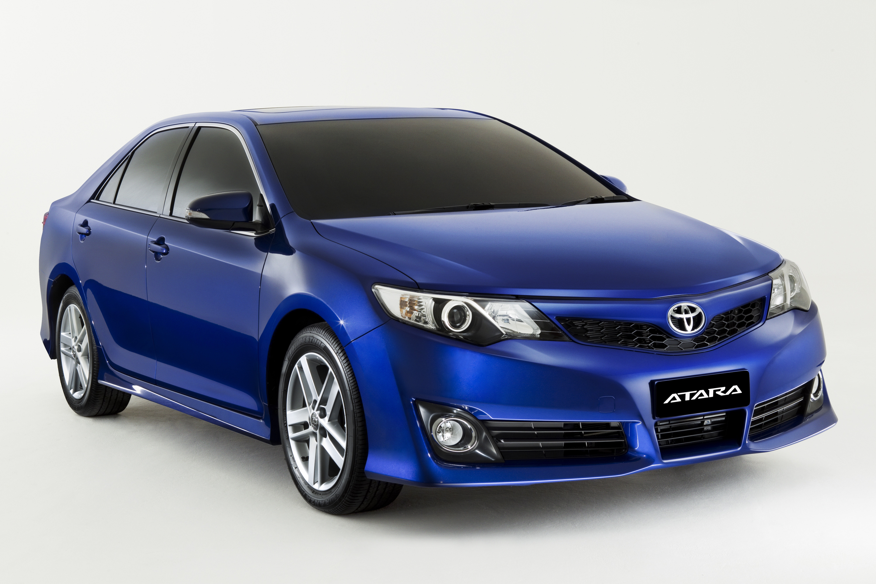 news toyota previews all new camry. Black Bedroom Furniture Sets. Home Design Ideas
