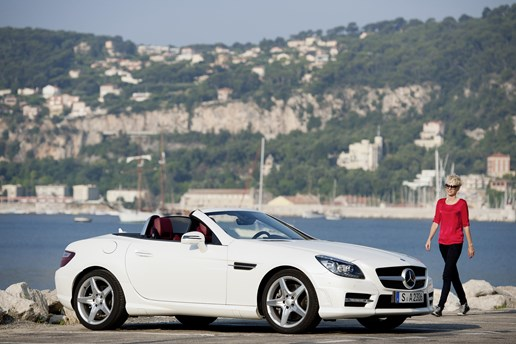 2011 MERCEDES-BENZ SLK 2D CONVERTIBLE
