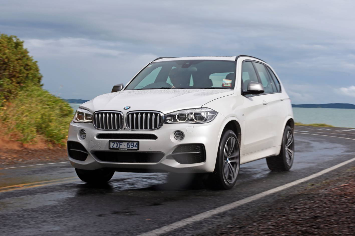 review bmw x5 m50d review and road test. Black Bedroom Furniture Sets. Home Design Ideas