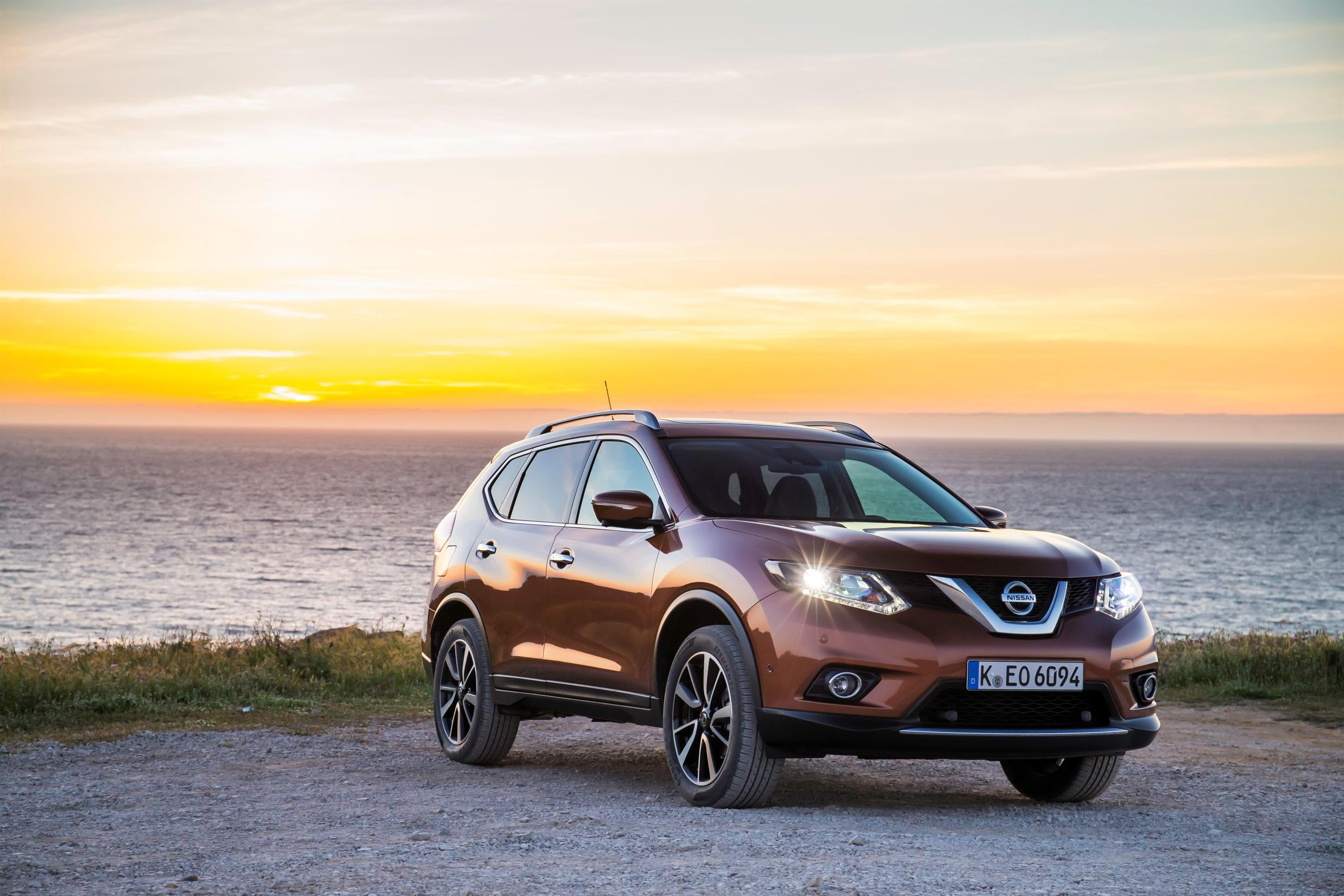 news diesel models join nissan x trail range. Black Bedroom Furniture Sets. Home Design Ideas