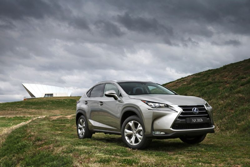 review lexus nx 300h review and first drive. Black Bedroom Furniture Sets. Home Design Ideas
