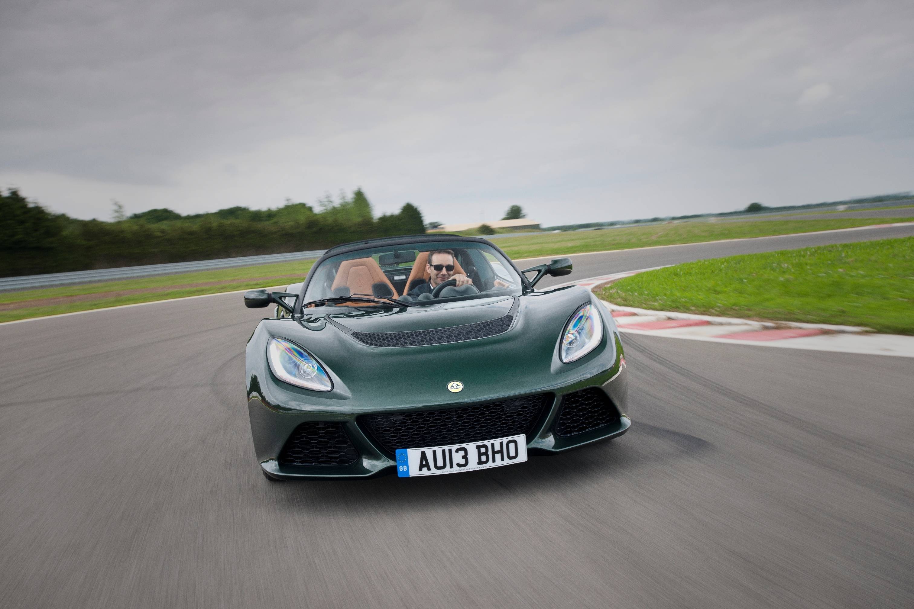news lotus exige s gains six speed auto. Black Bedroom Furniture Sets. Home Design Ideas