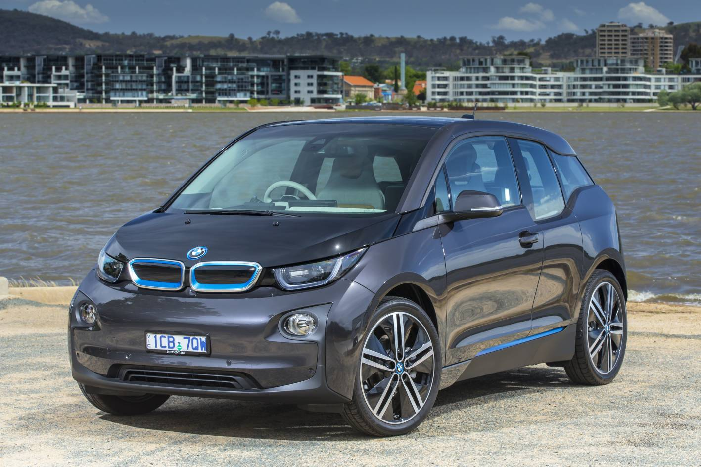 review 2014 bmw i3 review and first drive. Black Bedroom Furniture Sets. Home Design Ideas