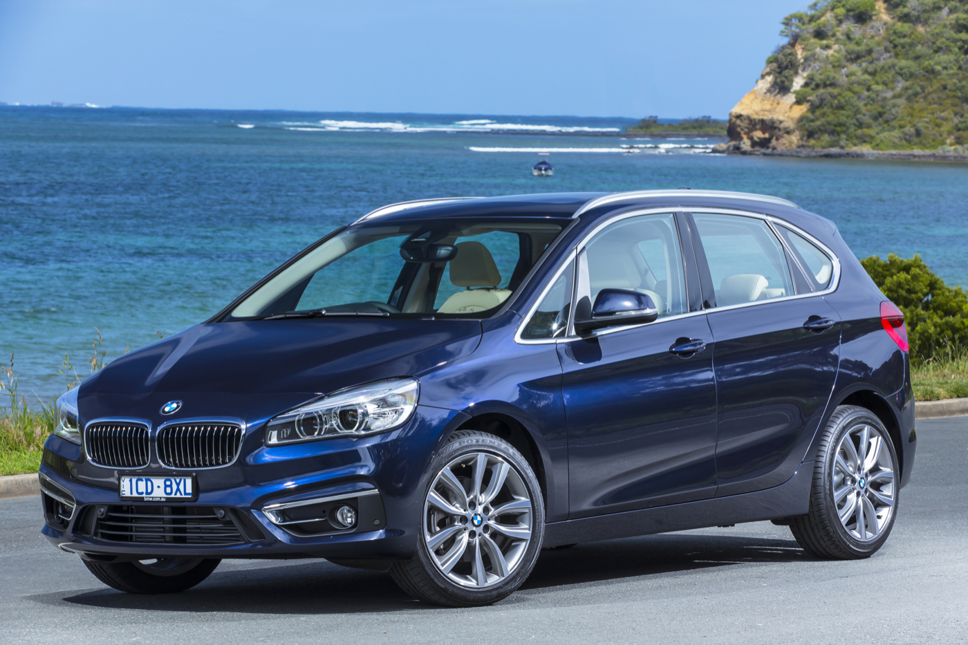 review bmw 2 series active tourer review and first drive. Black Bedroom Furniture Sets. Home Design Ideas