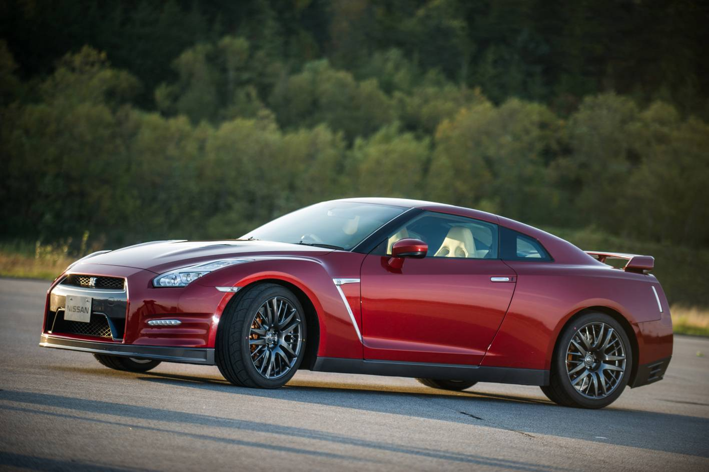 news 2015 nissan gt r due early next year. Black Bedroom Furniture Sets. Home Design Ideas