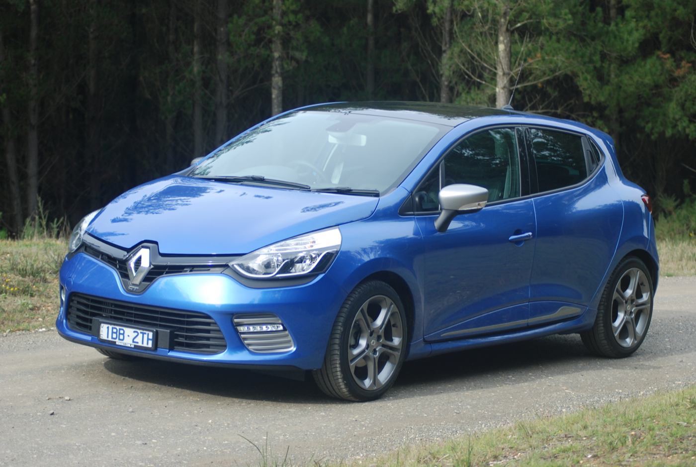 review renault clio review and road test. Black Bedroom Furniture Sets. Home Design Ideas