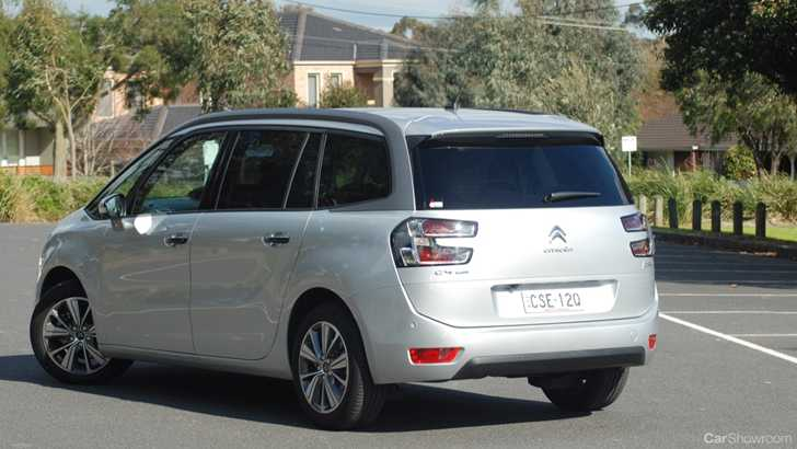 Review citroen c4 grand picasso review and road test - Citroen c4 grand picasso interior ...