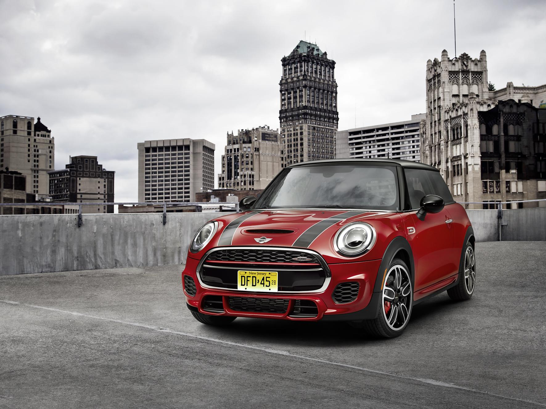 news 2015 mini john cooper works price and specs. Black Bedroom Furniture Sets. Home Design Ideas