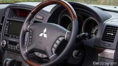 2015 mitsubishi pajero 4d wagon - Mitsubishi Montero 2015 Interior