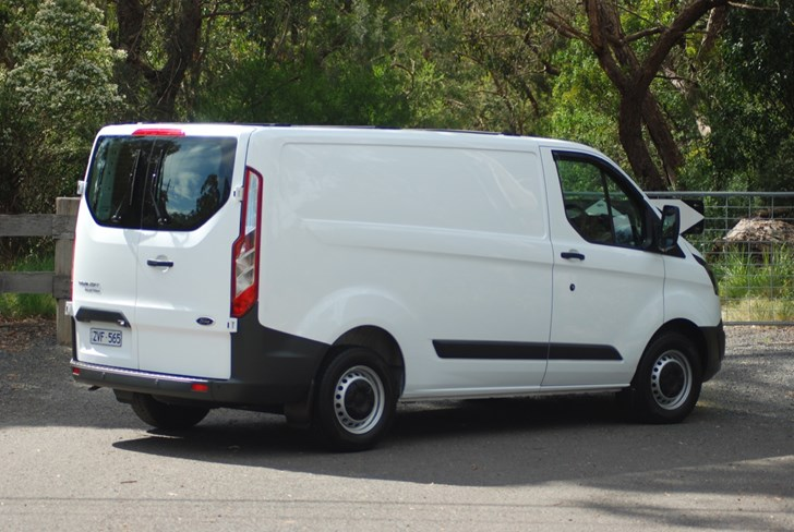 Ford Passenger Van >> Review - 2015 Ford Transit Custom Review