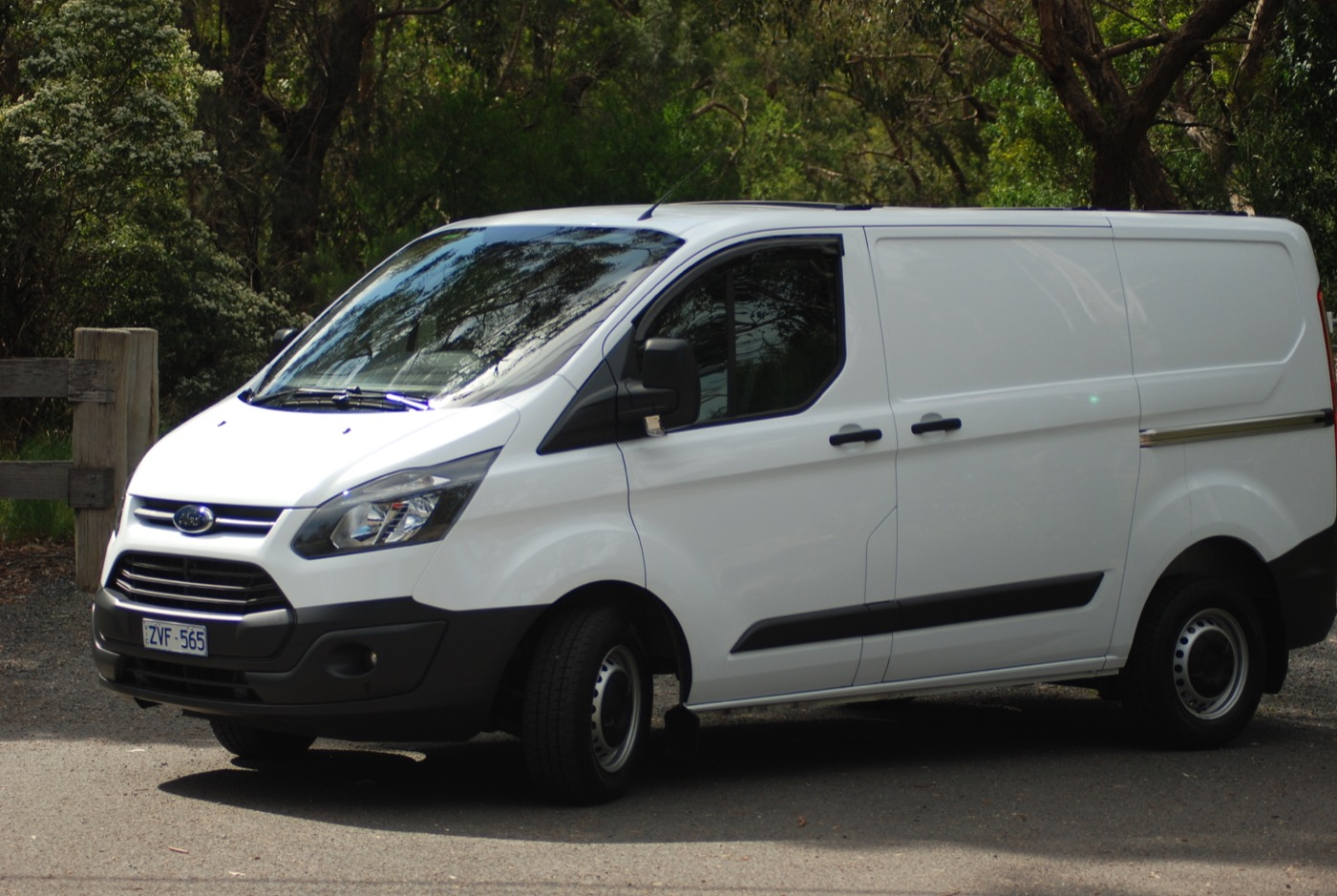 Review 2015 Ford Transit Custom Review